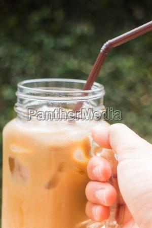 cafe haus gebaeude glas becher trinkgefaess