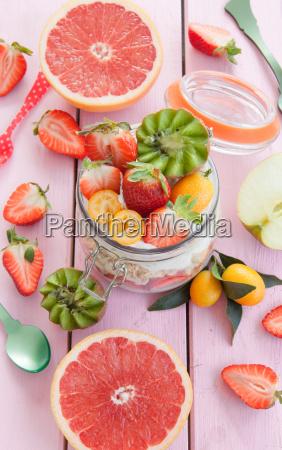 porridge mit quark und fruechten