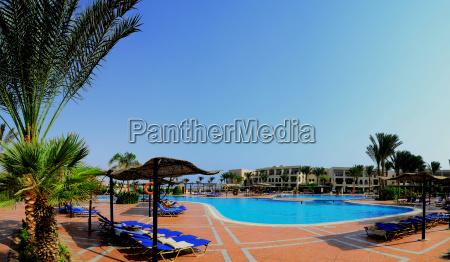 pool bei hotel in aegypten