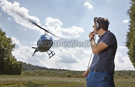 deutschland bayern landshut fluglotsen sichern landung