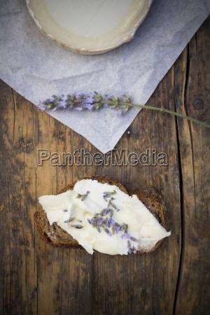 french goat cheese potatoe walnut baguette