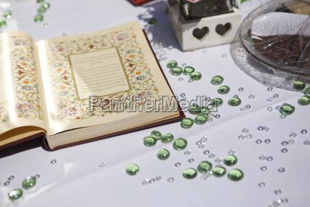 dekoration einer persischen hochzeits tabelle