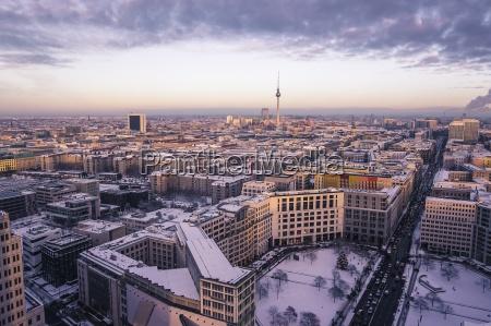 deutschland berlin stadtansicht mit leipziger strasse