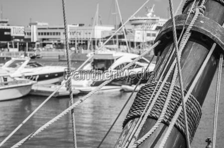 blocks und rigging am alten segelboot