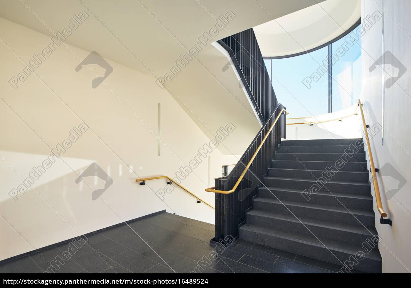 Treppenhaus Modern Gebäude Fenster Lizenzfreies Foto 16489524
