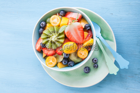 schuessel with fresh fruit salad
