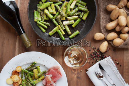 asparagus with ham potatoes and wine
