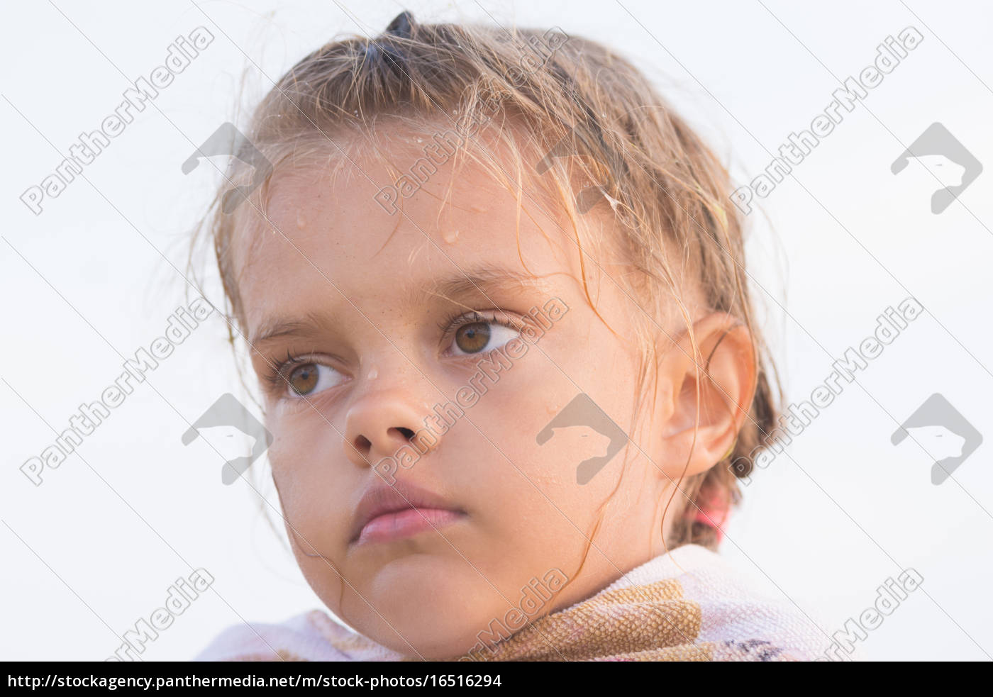 portrait, of, a, sad, girl, with - 16516294