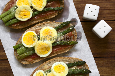 baked ham asparagus egg and cheese