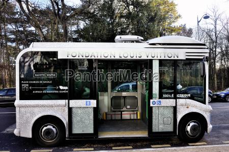 elektrobusse die besucher der stiftung louis