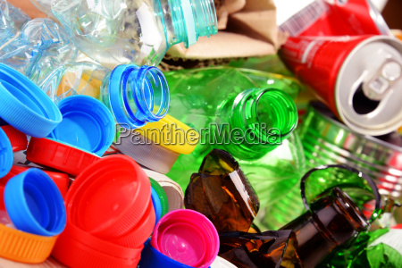 recycelbar muell bestehend aus glas kunststoff