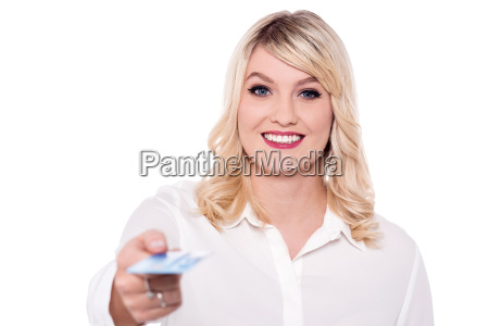hinreissend dame sie debitkarte anbieten