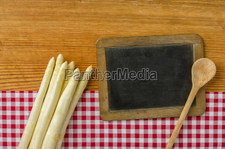 asparagus with unlabeled panel