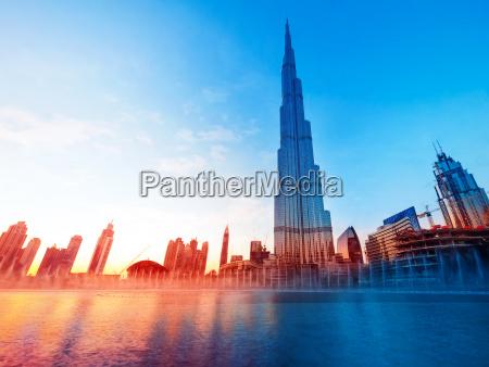 burj khalifa in dubai landmark