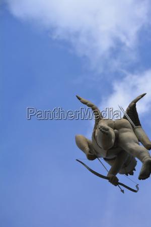 fahrt reisen kunst sport statue wolke