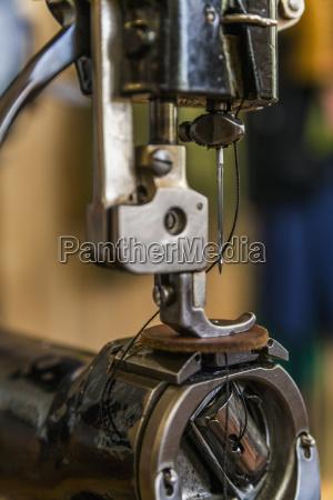 leder naehmaschine close up