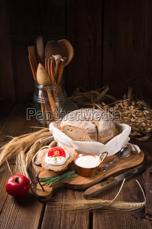 homemade bread with cream and tomato