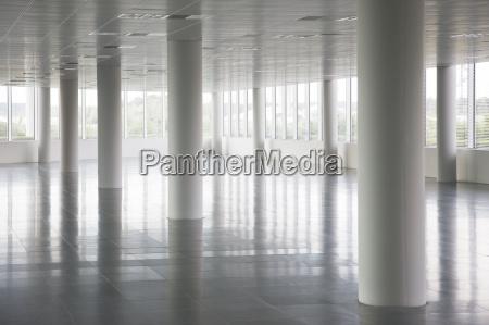 space modern moderne fenster luke glasfenster
