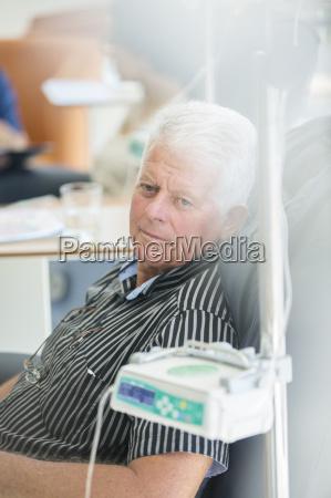 sessel lehnstuhl krankenhaus hospital klinik komfortabel