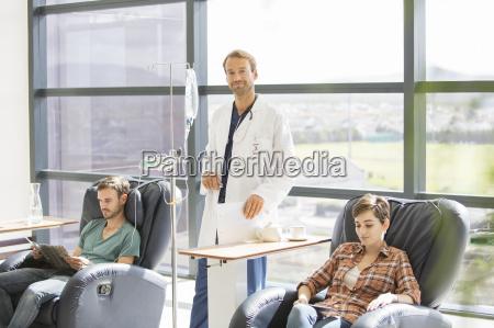 arzt mediziner medikus horizontal krankenhaus hospital