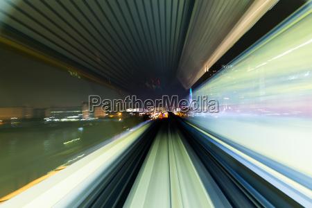 u bahn tunnel mit bewegungs