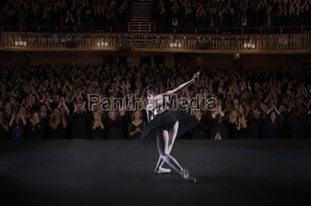 ballett ballet ballerina applaudierend audienz zuhoererschaft