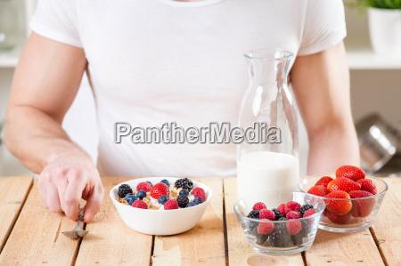 gesunde und nahrhafte joghurt mit muesli