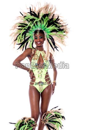 taenzerin im karnevalskostuem