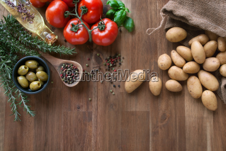 fresh tomatoes with spices and potatoes
