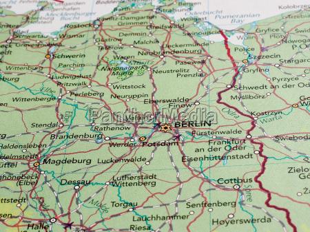 berlin kartenausschnitt mit selektivem fokus
