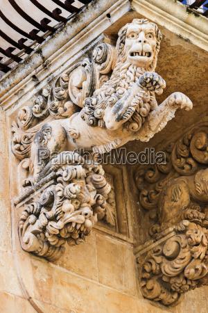 italien sizilien noto palazzo villadorata balkon