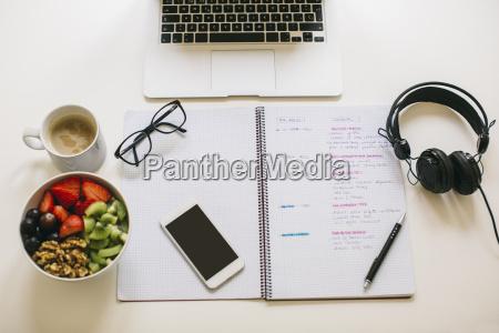 notiz notieren anmerkung anmerken laptop notebook