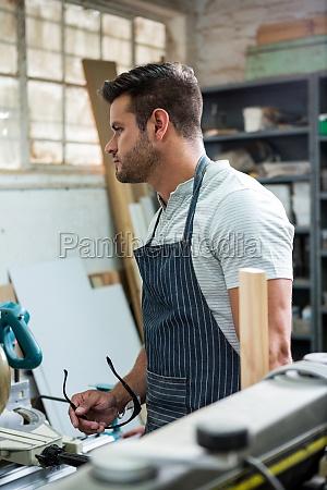 tafel werkzeug arbeitsstelle handwerker arbeitsstaette staub
