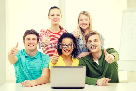 handbewegung menschen leute personen mensch laptop
