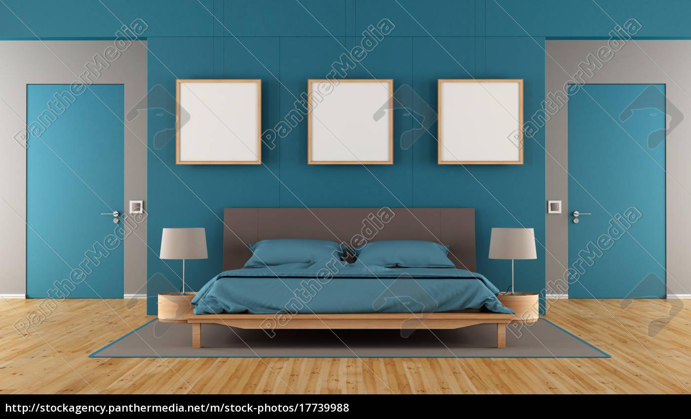 blaues und braunes modernes schlafzimmer - Lizenzfreies Foto ...