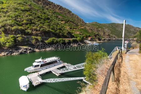 boat trip on rio sil galicia