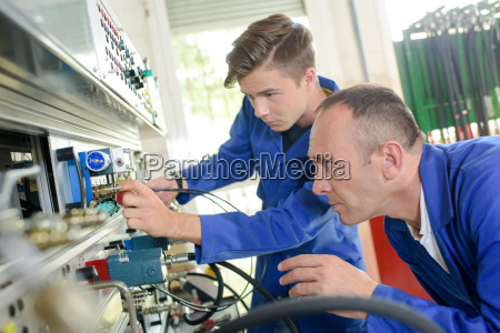 apprendista ingegneria meccanica