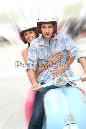 froehlich paar blau moto reiten