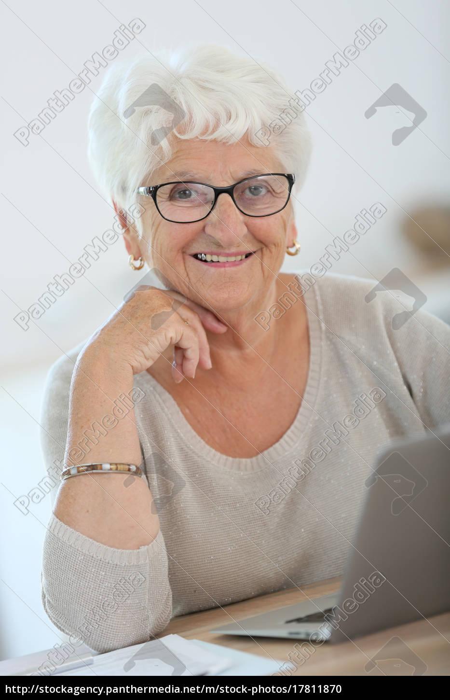 Frau ältere Eine ältere