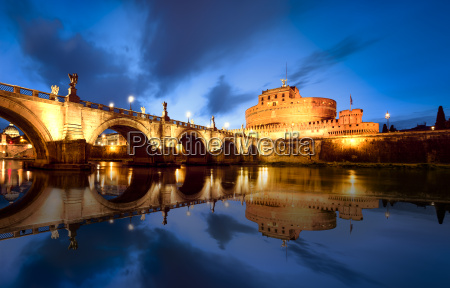 rome by night italy