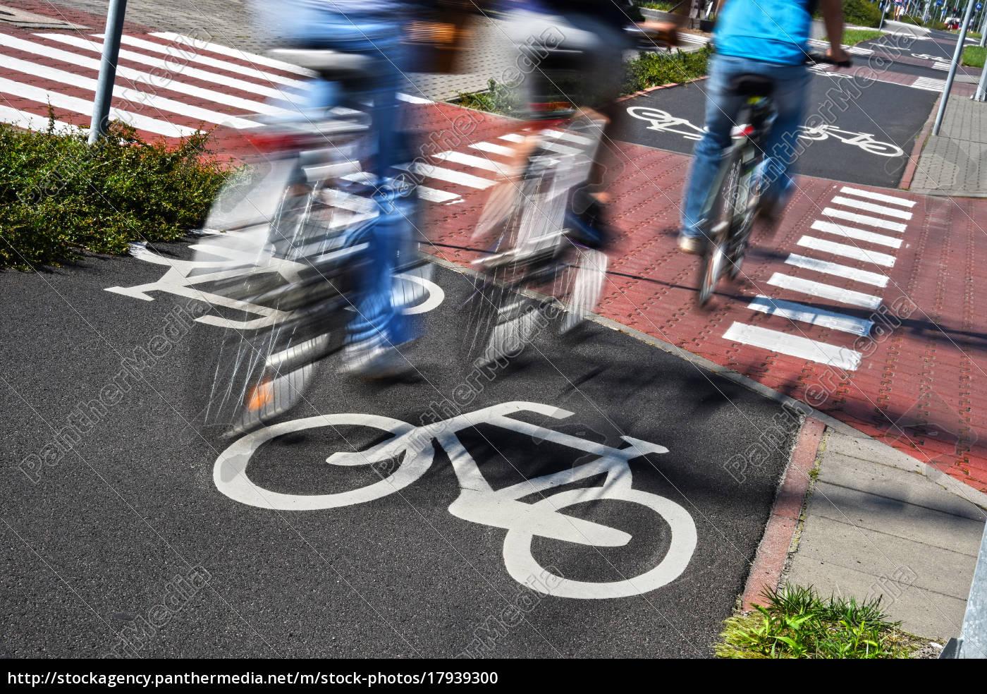 fahrradverkehrsschild, und, fahrradfahrer - 17939300