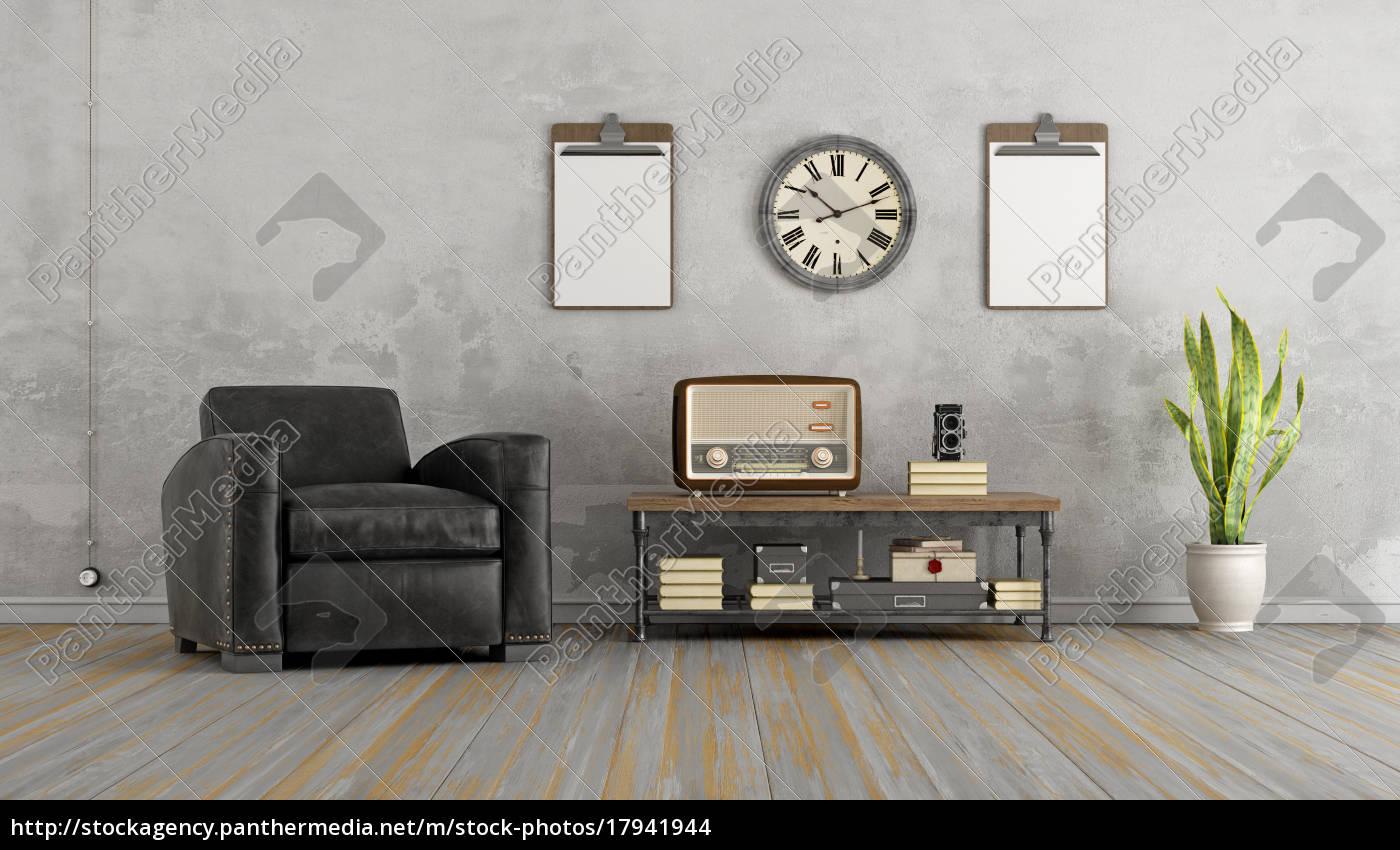Lizenzfreies Foto 17941944 Vintage Wohnzimmer Mit Schwarzen Sessel Und Alten Radio
