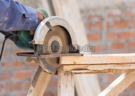 carpenter, mit, kreissäge, in, loggern - 17953320