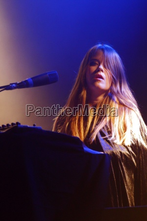 anna von hausswolff in concert