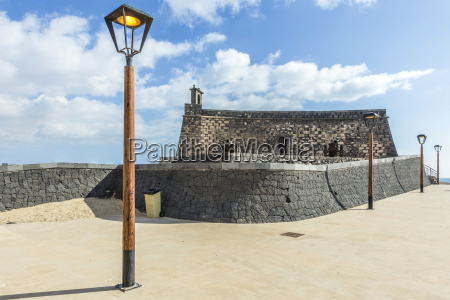 arrecife and castle of san gabriel