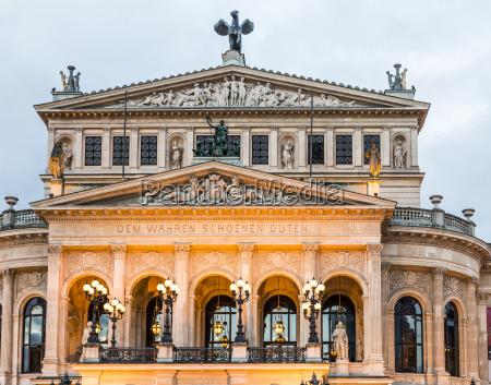 alte oper in frankfurt night view