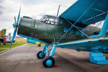 flugwesen luftfahrt flugsport retro flugzeugrumpf fuehrerstand
