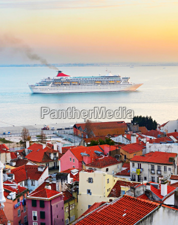 cruise liner depature portugal