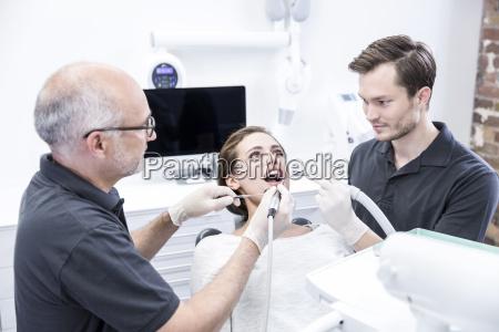 arzt mediziner medikus zahnarzt behandlung patient