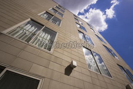 stadt fenster luke glasfenster fensterscheibe wolke